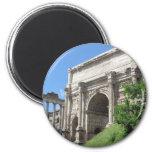 Arco romano do fórum de Titus - Roma, Italia Imas