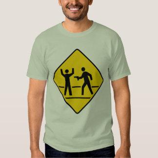 Área do crime alto do perigo t-shirts
