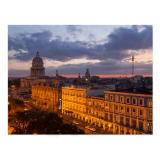 Arquitectura da cidade no por do sol, Havana, Cuba Cartão Postal