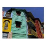 Arquitetura colorida da vizinhança de Boca do La Cartão Postal