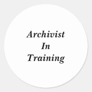 Arquivista em etiquetas do treinamento