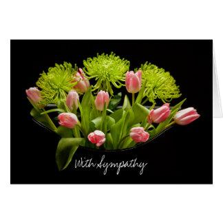 Arranjo de flor das tulipas do cartão de simpatia