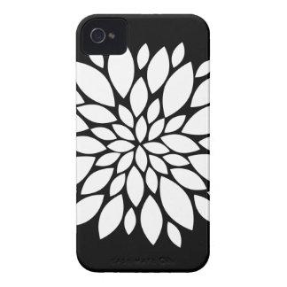 Arte bonito das pétalas da flor branca no preto capinhas iPhone 4