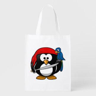 Arte bonito do pinguim do pirata sacola reusável