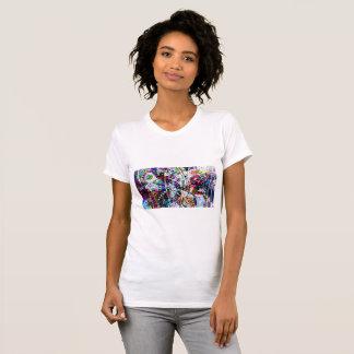 Arte colorida da libélula camiseta