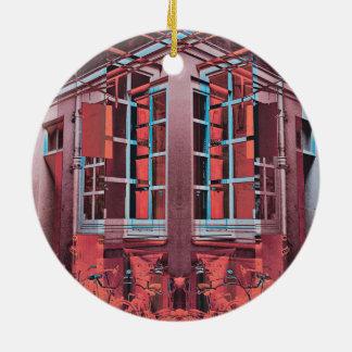 Arte digital da reflexão azul vermelha das janelas ornamento de cerâmica redondo