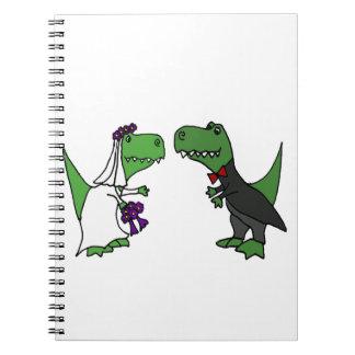 Arte engraçada do casamento dos noivos do cadernos