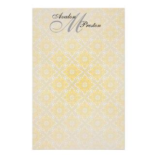 Artigos de papelaria amarelos & pretos do monogram
