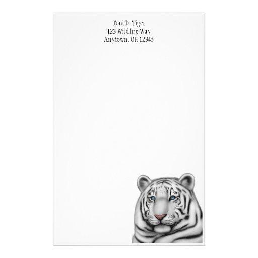Artigos de papelaria brancos orgulhosos do tigre