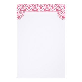 Artigos de papelaria cor-de-rosa do casamento tema