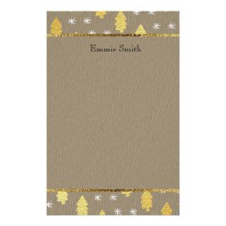 Artigos de papelaria da árvore de Natal de Brown e
