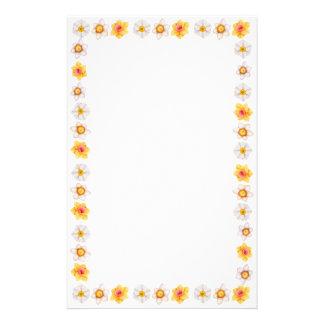 Artigos de papelaria dos Daffodils do primavera