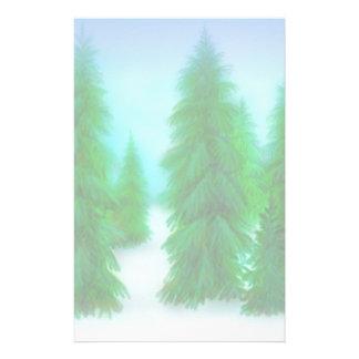 Artigos de papelaria dos pinhos do inverno