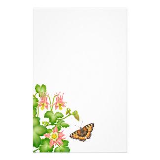 Artigos de papelaria florais da borboleta de conch