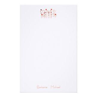 Artigos de papelaria florais do casamento do ponto