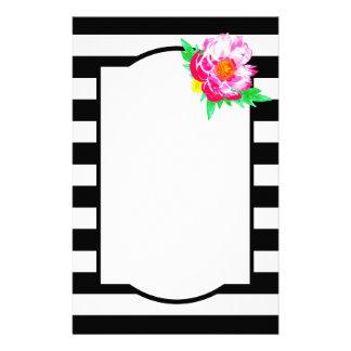 Artigos de papelaria pretos & brancos da peônia