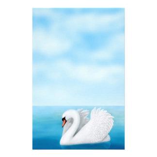 Artigos de papelaria solitários da cisne muda