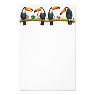 Artigos de papelaria tropicais dos pássaros de