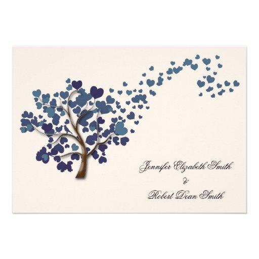 Árvore azul do coração no casamento do marfim convites