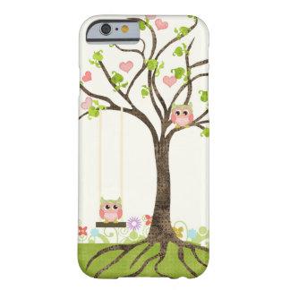 Árvore bonito lunática das corujas de redemoinhos capa barely there para iPhone 6