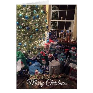Árvore de Natal lindo e cartão das decorações