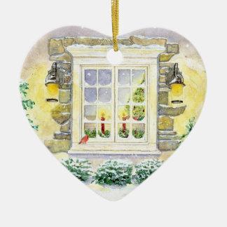 Árvore de Natal no ornamento da janela