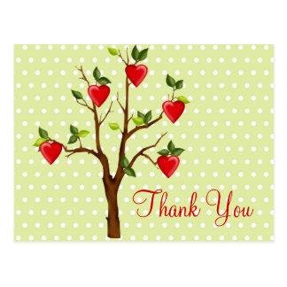 Árvore do amor com corações cartão postal