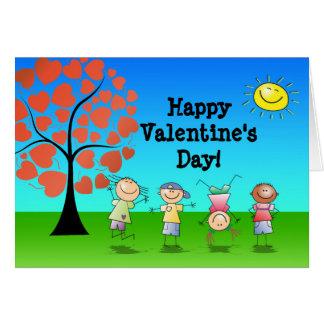 Árvore do coração com dia dos namorados dos miúdos cartão