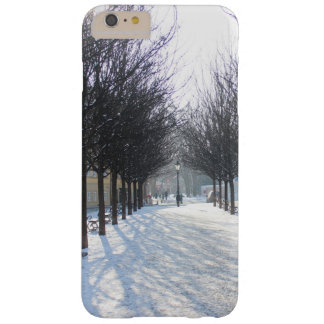 Árvore do inverno em Praga (república checa) Capas iPhone 6 Plus Barely There