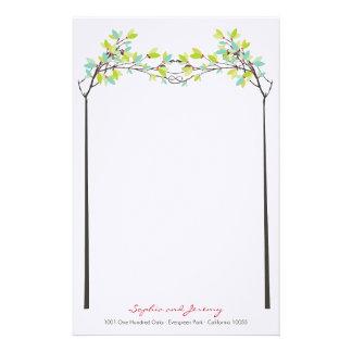 Árvores atadas do primavera do amor que Wedding Papelaria