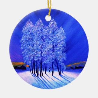 Árvores da neve do Natal da aurora boreal Ornamento De Cerâmica Redondo