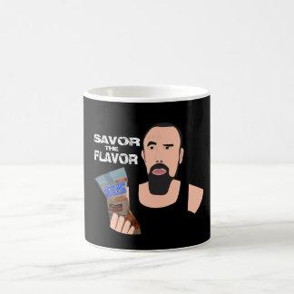 As bolas de Chris Savor a caneca de café do sabor