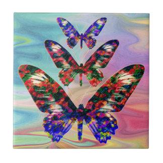 As borboletas tropicais projetam o azulejo