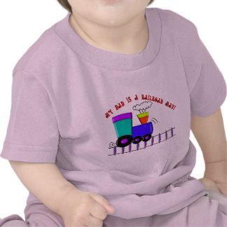 """As camisas do trem dos miúdos """"meu pai são um camisetas"""
