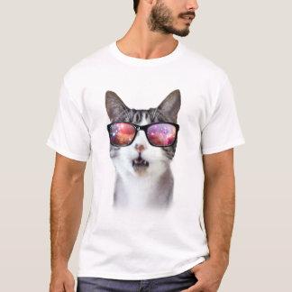 As camisas dos homens dos gatos do espaço da