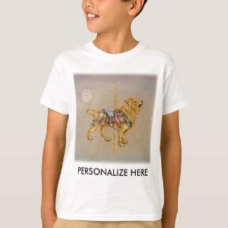 As camisetas claras do miúdo - leão do carrossel