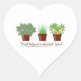 As ervas frescas são um cozinheiro adesivos em forma de corações