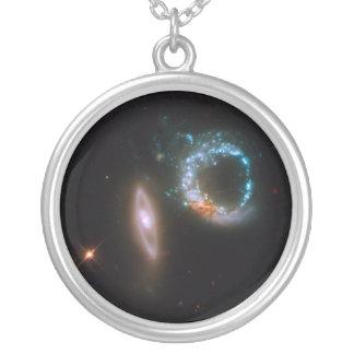 As galáxias aperfeiçoam dez colar banhado a prata