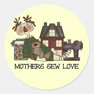As mães Sew camisas e presentes do amor T Adesivos Em Formato Redondos