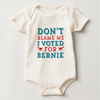 As máquinas de lixar de Bernie não me Body Para Bebê