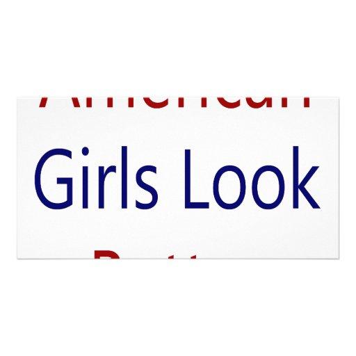 As meninas americanas olham melhor cartão com foto
