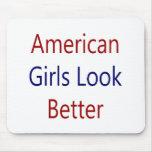 As meninas americanas olham melhor mousepads