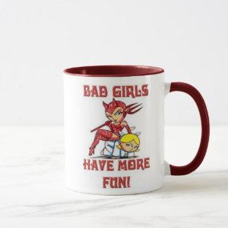 As meninas más têm mais caneca de café do