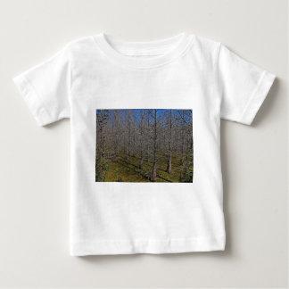 As mentes as mais escuras camiseta para bebê