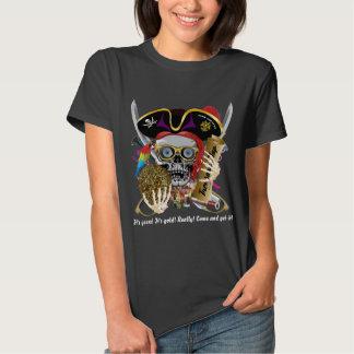 As mulheres todas do roupa do pirata denominam a camiseta