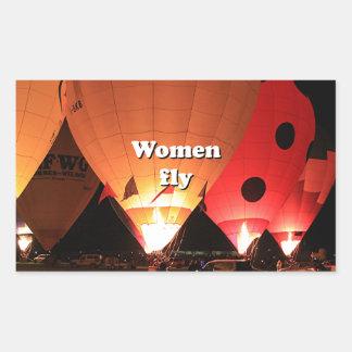 As mulheres voam: balão de ar quente 2 adesivo retangular