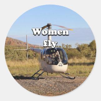 As mulheres voam: Helicóptero 2 (brancos) Adesivo Redondo