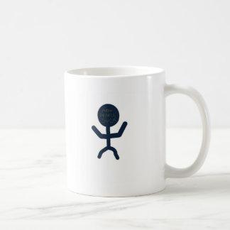As pessoas médias sugam caneca de café