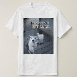 As pessoas são t-shirt estranho do cão camiseta