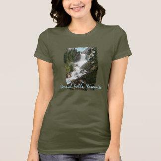 As quedas Vernal pintaram a camisa das mulheres